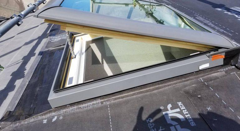 電動の開閉タイプ天窓へ交換