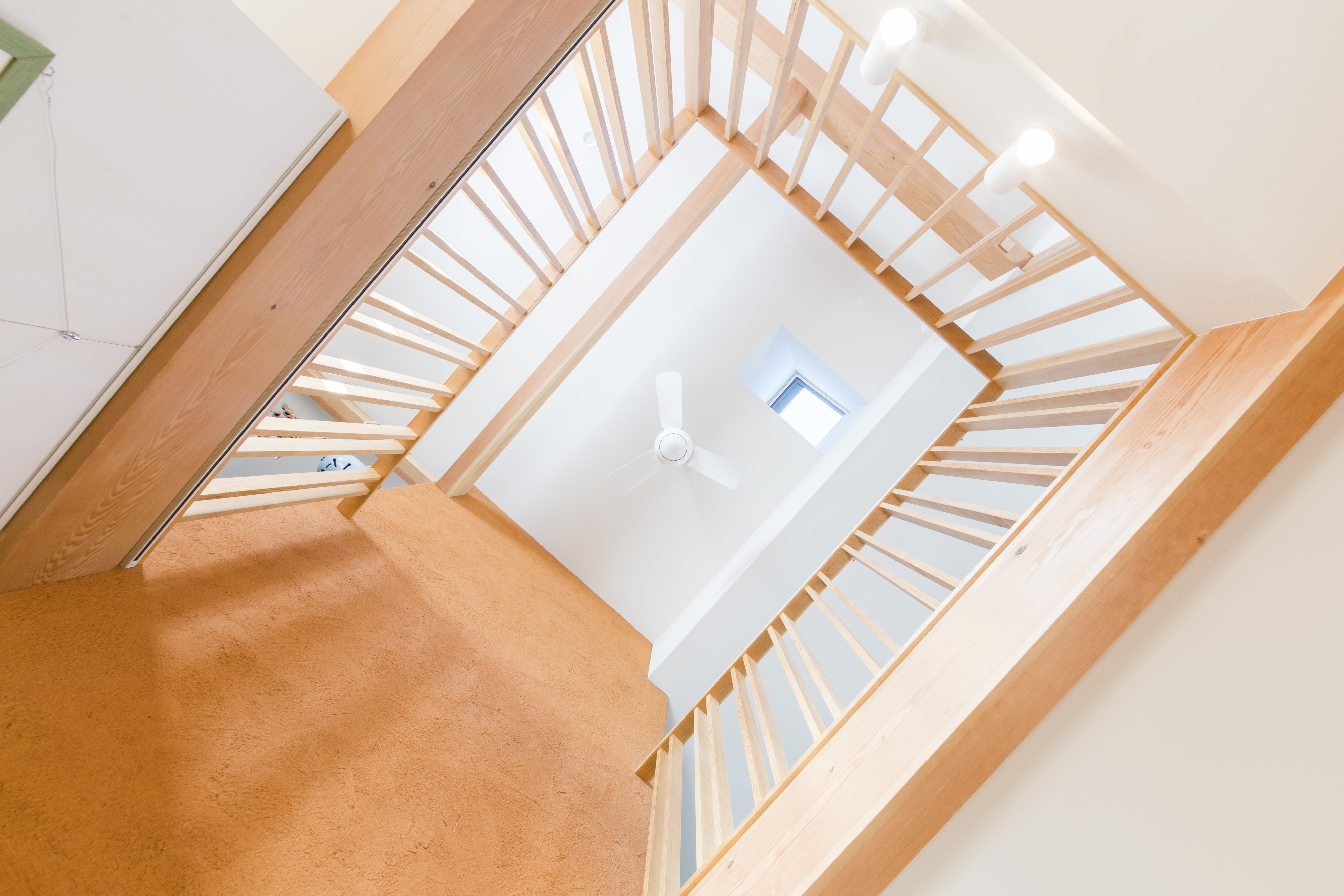 大きな吹き抜けが家の中心にある越谷の家、入居後2年間の光熱費大公開します。