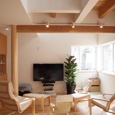 自然素材でリノベーションした横浜の家リビング