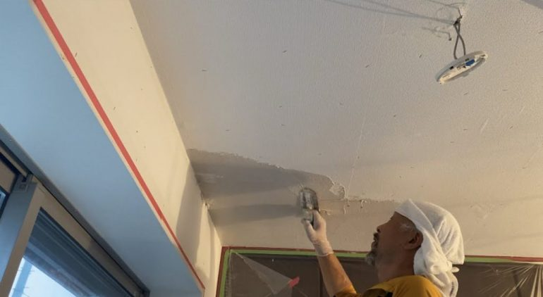 漆喰の下塗り