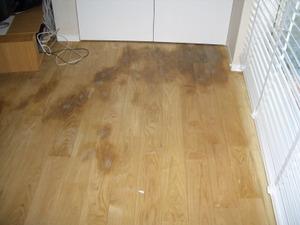 重曹で黒くなった床